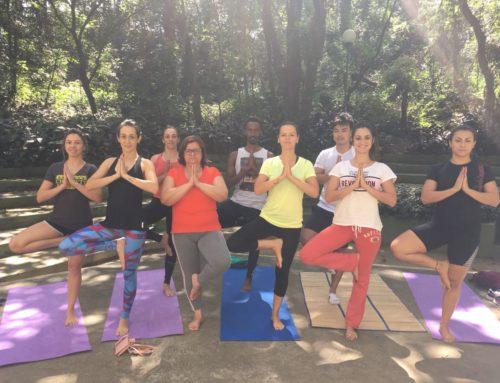 Confira alguns motivos para praticar Yoga ao ar livre